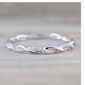 Jewelry - 18k White gold twisted eternity band ring